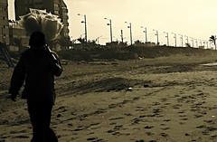 Sugar cotton man (Daniela Herrerías) Tags: gente playa veracruz dulce azúcar personajes coatzacoalcos algodonero tetecalvache danielaherrerias historiadevida danielaherrerías©