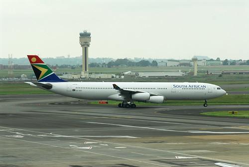 South African A340-300 ZS-SXE