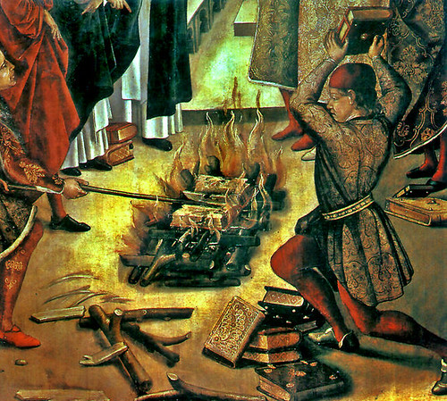 Book Burning - Quema de Libros - St Dominic and the Albigenses, by derechoaleer. Licenza Creative Commons Attribution 2.0-en