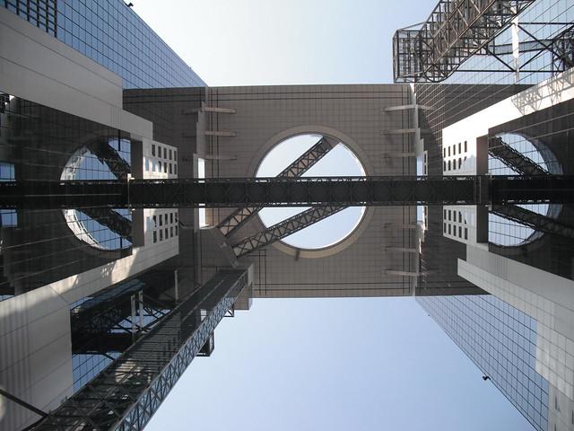 Umeda Sky Building innards