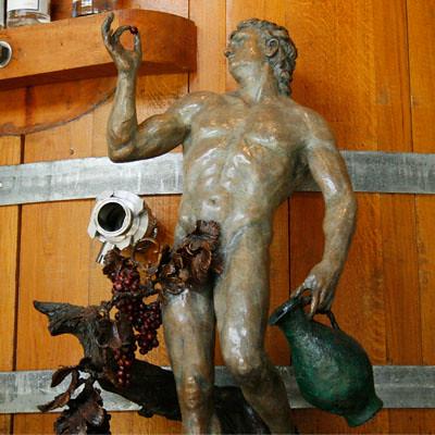 lola-statue