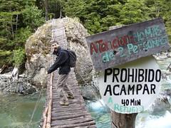 El Bolson - Trek Encanto Blanco - pont - panneaux