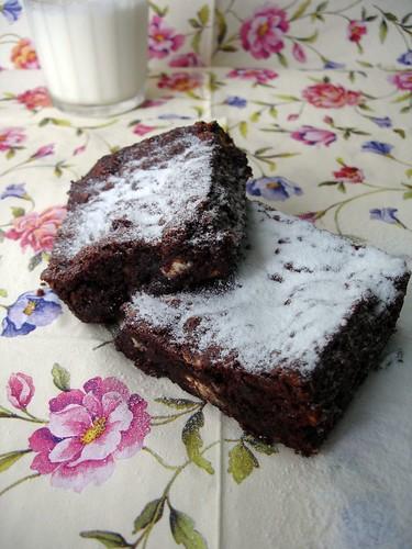 Chocolate, almond and white chocolate brownies