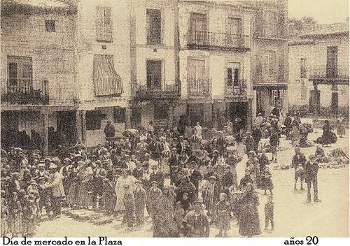 Día de mercado en la plaza de Berlanga de Duero años 20