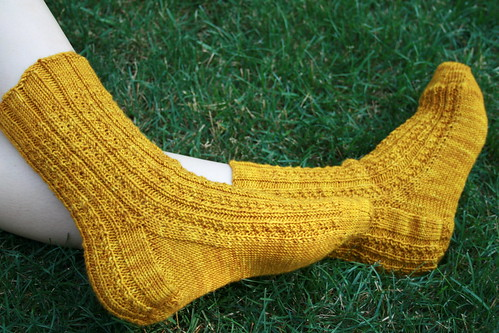 Hedgerow Socks: Jitterbug, 'VIncent's Apron'