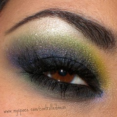 Ed Hardy Inspired Closeup (anilorac186) Tags: blue black macro green closeup makeup carbon highlight falseeyelashes maquillaje pinkpearl lightbrown edhardy msh0109 sunyellow bennye msh010917