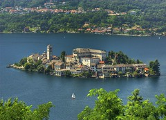 Island of Orta S.Giulio (Fabio Montalto) Tags: italy lake island searchthebest piemonte orta naturesfinest nikond200 sangiulio supershot hdrfromasingleraw anawesomeshot qualitypixels wagman30