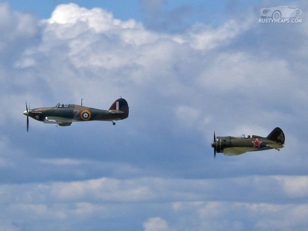 Hawker Hurricane Mk.XIIb and Polikarpov I-16 Type 24 Rata