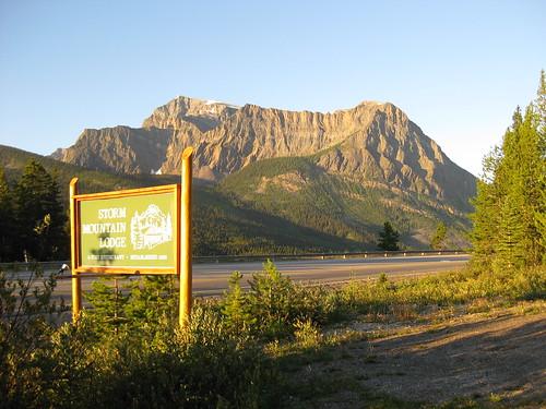 Storm Mountain Lodge, Alberta, Canada