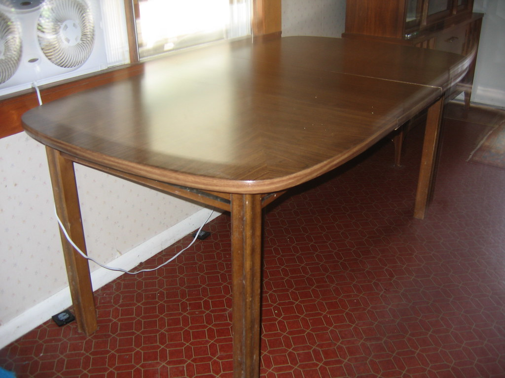 Oval Dining Table With Leaf