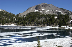Lake Helen, with Mount Lassen in the back (birdgal5) Tags: california snow nikon d100 mountlassen lassenvolcanicnationalpark shastacounty 24120mmf3556gvr lassenpeak lakehelen lassenvolcanicnp vulcanseye