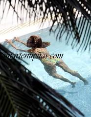 beyonce swimming