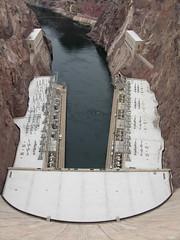 Hoover Dam (Diorama Sky) Tags: arizona water architecture river energy dam nevada engineering hooverdam coloradoriver electricity boulderdam dioramasky
