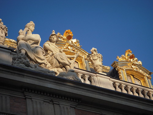 Blue Sky, golden Versailles