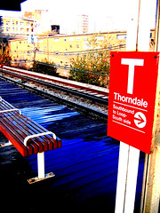 Red Line: Thorndale (ComatoseKat) Tags: chicago redline waitingforthetrain thorndalestop