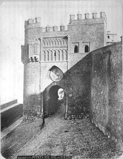 Puerta del Sol en el siglo XIX. Fotografía de Casiano Alguacil