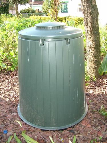 horta jardim associados : horta jardim associados:Lipor incrementa compostagem caseira – Maia Primeira Mão
