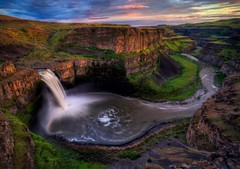 Sunset at Palouse Falls HDR (Fresnatic) Tags: sunsets waterfalls pacificnorthwest washingtonstate hdr easternwashington palousefalls photomatix palousefallsstatepark thepalouse hdraddicted canonrebelxsi fresnatic photoshopcs5 palousefallssunset