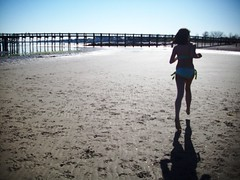 run baby run (HELLO CHLO3) Tags: lighting summer beach water sand ally boardwalk