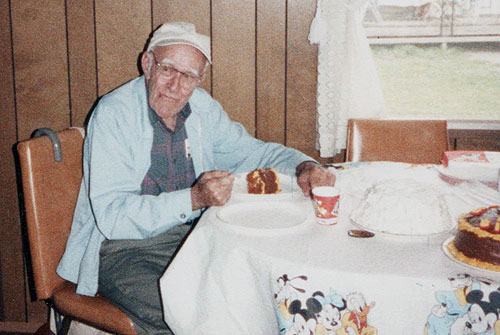 grandpa-walt-loves-cake-may-1990