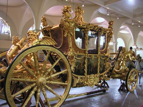 Buckingham Palace and Royal Mews 042