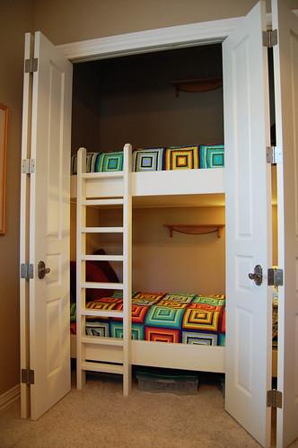 Detail Bed Closet