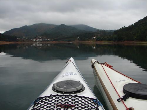 Rio Zêzere com Dornes lá ao fundo
