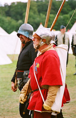 Medieval Soldiers, 15th Century Re-enactors at Kelmarsh Festival of History (Steve Greaves) Tags: red camp man black men silver soldier actors war catchycolours display military coat