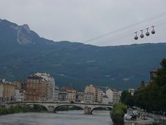 Grenoble (vincentb) Tags: city mountain montagne alpes grenoble river town eau chartreuse val pont vercors bulles ville brigde drac tlphrique isre rivire