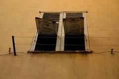Open windows (Natalia Romay Photography) Tags: city trip travel france window wall ventana pared nice nikon europa europe cotedazur open ciudad viajes provence francia provenza niza grieta costaazul abierta abigfave