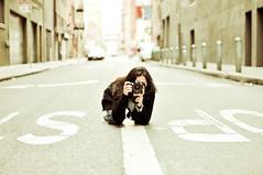 crouching photographer (cindyloughridge) Tags: sf cris flickrmeetup nikkor50mmf14 nikond300 zakzorah