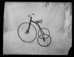 Bicycles of 25 Years Ago (George Eastman House) Tags: bw bicycle antique tricycle bicycles 1900 bicicletta georgeeastmanhouse color:rgb_avg=8d8d8d williammvanderweyde geh:accession=197400561311