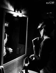 blade on fibre (Pernart-0) Tags: white black beauty canon mirror photo italian bath bravo flickr foto general cola xx top tag arse free fanny best eros motors pepsi morris bagno coca philip obama gillette cesso rasoio badezimmer sfera 40d aplusphoto pernart lesamisdupetitprince peregrino27blackwhite