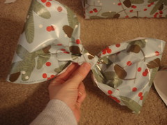 3094765660 c6f7c83565 m A Gift Wrap Bow Tutorial