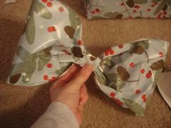 3094765660 c6f7c83565 m A Gift Wrap Bow Tutorial