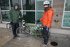 Intrepid Portlanders riding in the snow-4