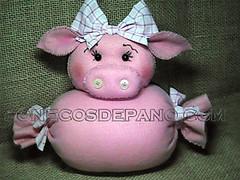 .:. Porquinha - Peso de Porta .:. (Bonecos de Pano .Com) Tags: pig feltro decorao porco porca pesodeporta paraolar