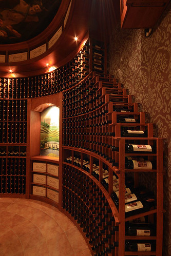 Raching wine cellar
