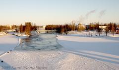 Talvipiv Joensuussa (Sami Niemelinen (instagram: santtujns)) Tags: city winter snow cold suomi finland river icy lumi talvi joensuu kaupunki pielisjoki kylm