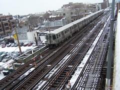 Wellington (Mr. Montrose) Tags: railroad brown chicago train cta tracks rail el line rails l elevated lakeview 2009