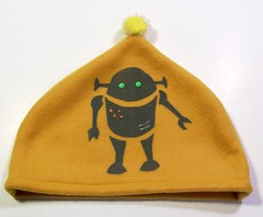 'fleece silkscreened robot hat' - craftyhag on Flickr