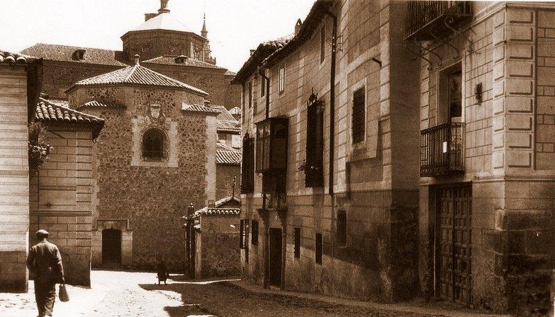 Iglesia de El Salvador (Toledo) a principios del siglo XX. Fotografía de Loty