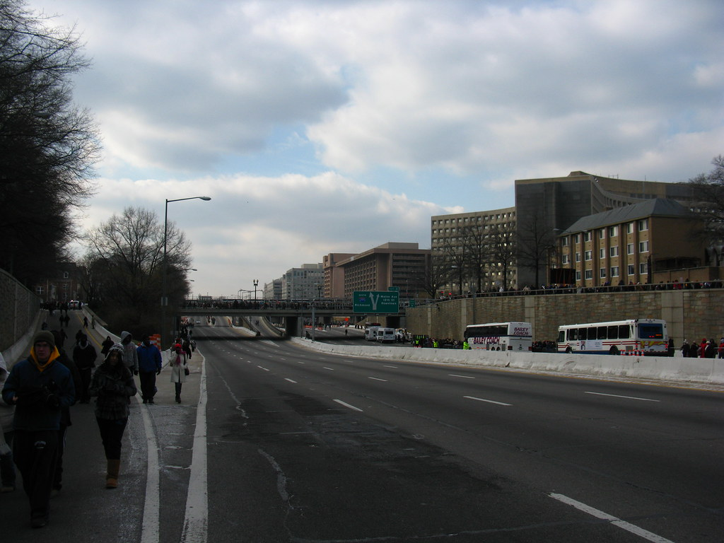 2009 01 20 - 0765 - Washington DC - I-395 at 7th St