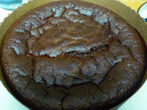 チョコレートケーキ焼き上がり一時間後