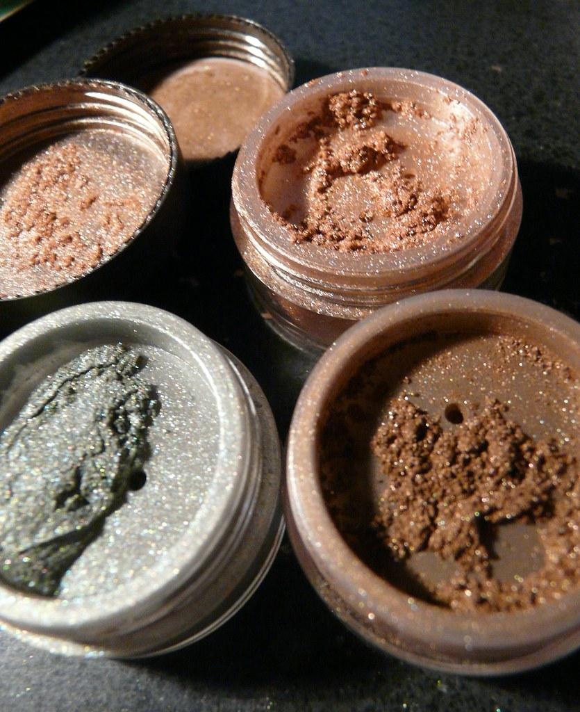 Mica makeup