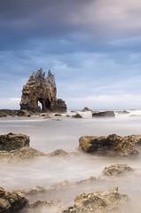 Portizuelo (elosoenpersona) Tags: sea beach rock sunrise mar long exposure asturias playa amanecer valdes roca luarca oleo asturies barcia cantabrico portizuelo furao cantabric elosoenpersona