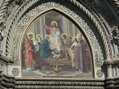 Il Duomo facade tympanum detail