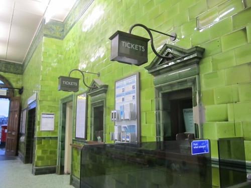 Barons Court Tube ticket hall