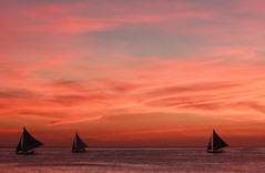 Boracay Sunset (*Cora) Tags: sunset beautiful twilight dusk horizon philippines ab boracay lovely sailboats nightfall blueribbonwinner abigfave platinumphoto aplusphoto igfave