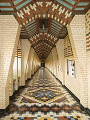 l'abbaye St-Benot-du-Lac (colros) Tags: austin artdeco abbayestbenoitdulac bellotism domcot